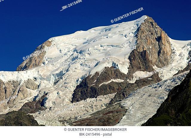 Bossons Glacier, Glacier des Bossons, summit of Mont Blanc du Tacul near Chamonix, Savoy, France, Europe