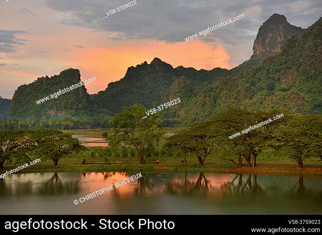 Myanmar, Kayin (Karen) State, Hpa-An, Kyauk Kalap pond