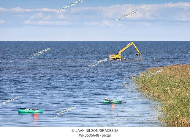 Earth Mover in the Ocean