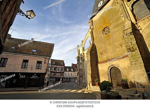 Eglise Saint-Sulpice, Nogent-le-Roi, departement Eure-et-Loir, region Centre-Val de Loire, France, Europe/church Saint-Sulpice, Nogent-le-Roi