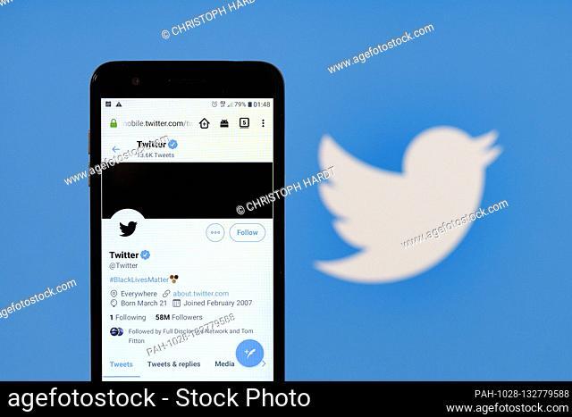 Der offizielle Account des Kurznachrichtendienst Twitter ist nach dem Tod des US-Bürgers George Floyd durch Polizeigewalt schwarz eingefärbt | usage worldwide