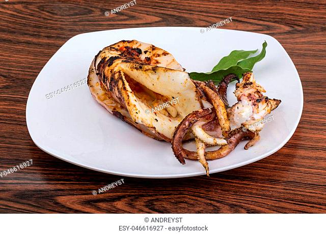 Grilled cuttlefish with spices in the bowl