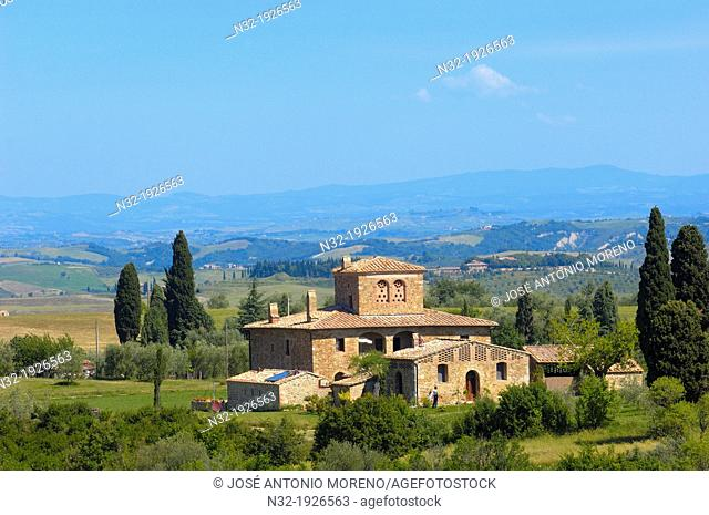 Val d'Orcia, UNESCO world heritage site, Fields and farmhouses, Tuscany Landscape, Pienza, Siena Province, Tuscany, Italy