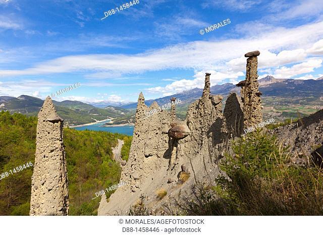 France, Hautes Alpes, Fairy Chimneys of Pontis above Serre Poncon lake