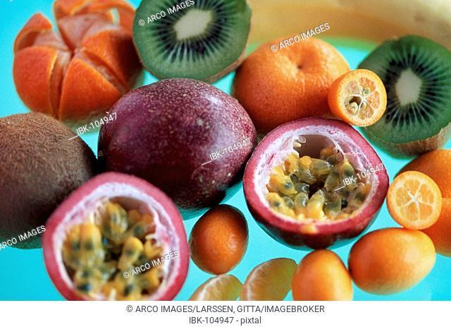 Tropical fruits: Chinese Gooseberry, Kumquat, Banana, Passions Fruit and Clementine