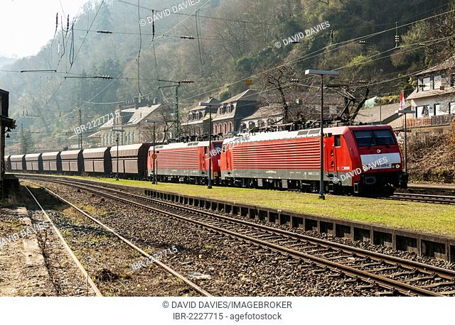 DB freight train passing through Bacharach, Upper Middle Rhine Valley, UNESCO World Heritage Site, Rhineland-Palatinate, Germany, Europe