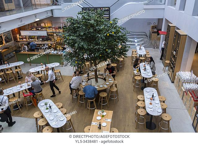Paris, FRANCE, People inside Italian Food Court, Store and BIstro Restaurant in the Marais, Eataly