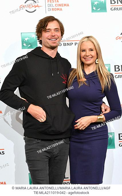Mira Sorvino and her husband Christopher Backus pose during the photocall for 'Drowing' at the 14th annual Rome Film Festival, in Rome, ITALY-20-10-2019