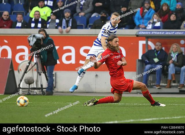 firo: 25.01.2020 Football, 3rd league, season 2019/2020 MSV Duisburg - FC Ingolstadt Lukas Scepanik (# 7, MSV Duisburg) fits into the box
