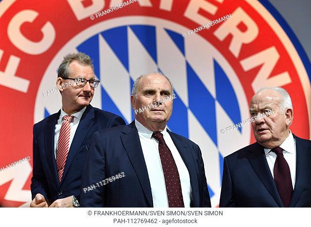 v.li:Prof.Dr. Dieter MAYER (Vice President FCB), Uli HOENESS (Honess, President FC Bayern Munich), Walter MENNEKES (2nd Vice President FC Bayern Munich) in...