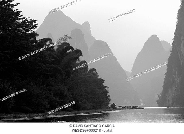China, Guangxi, mountains at Li river