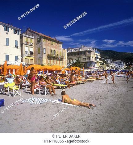 Beach scene in the Italian Riviera resort of Alassio