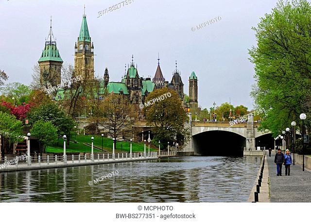 Rideau Canal with parliament, Canada, Ontario, Ottawa