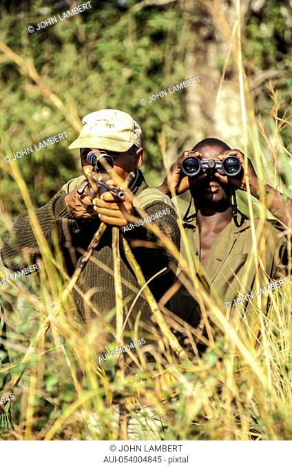 africa, hunters in action