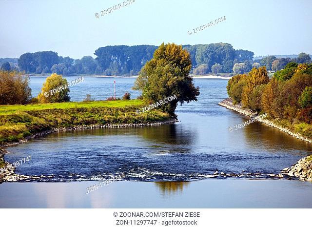 Lippemuendung in den Rhein, Wesel, Niederrhein, Ruhrgebiet, Nordrhein-Westfalen, Deutschland, Europa