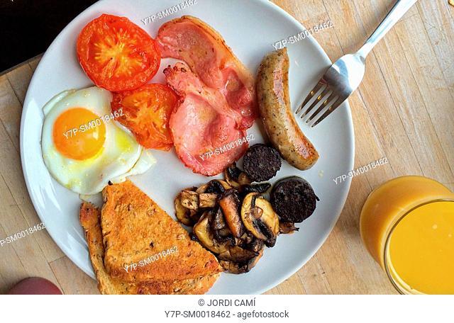 English breakfast . United Kingdom