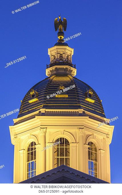 USA, New England, New Hampshire, Concord, New Hampshire State House, dusk