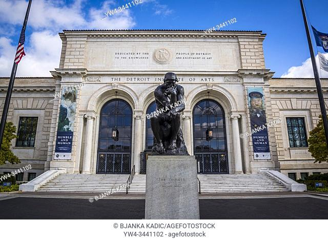 Auguste Rodin sculpture The Thinker, 1904 in front of main facade of the Detroit Institute of Arts, (DIA), one of the largest and most significant art...
