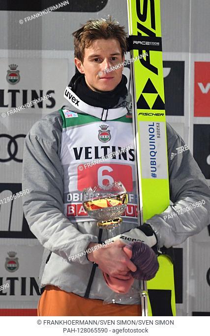 Karl GEIGER (GER), award ceremony, with TRophaee, action, single image, cut single motif, half figure, half figure. Ski jumping