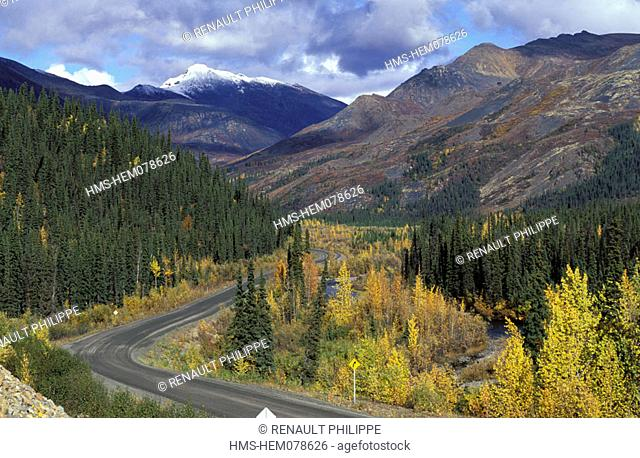 Canada, Yukon, Dempster Highway linking Dawson city and Inuvik (457 miles)