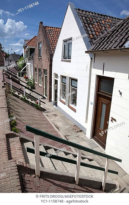 living behind the dykes in Lexmond, Holland