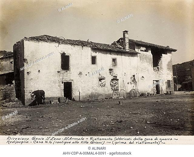 Album Italo-Austrian War 1915-1918 pigeons: Leadership Corps of Engineers 2nd Area 3rd army, Redipuglia home before rehabilitation for military purposes