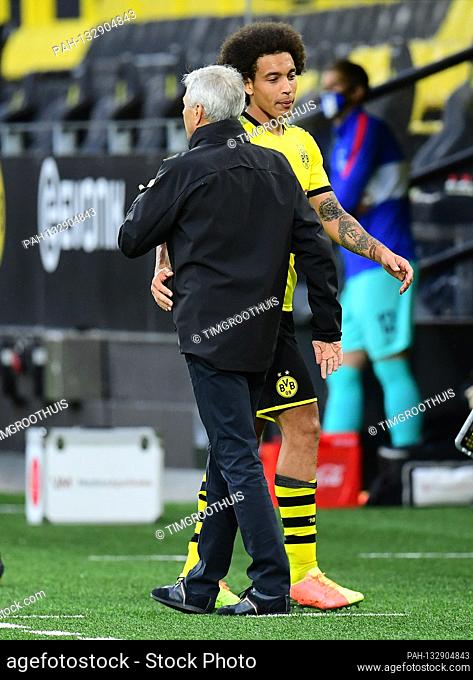 left to right coach Lucien Favre (Dortmund), Axel Witsel GES / Football / 1. Bundesliga: Borussia Dortmund - Hertha BSC Berlin, 06.06