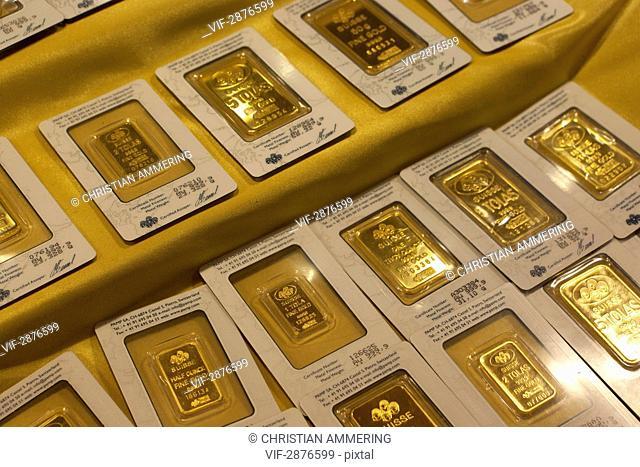 UNITED ARAB EMIRATES, DUBAI, 14.04.2011, Gold bars - DUBAI, DUBAI, UNITED ARAB EMIRATES, 14/04/2011