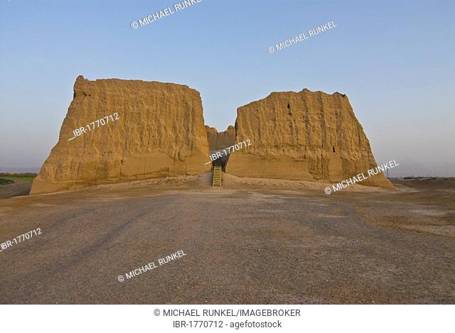 Ruin of an adobe building, Merv, Turkmenistan, Central Asia