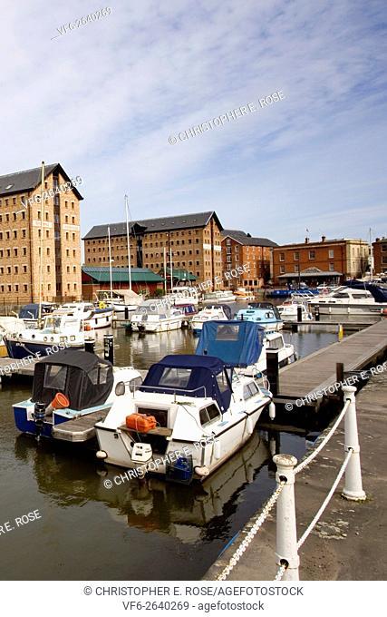 England, Severn Vale, Gloucestershire, Gloucester, marina and modernised warehouses in former docks