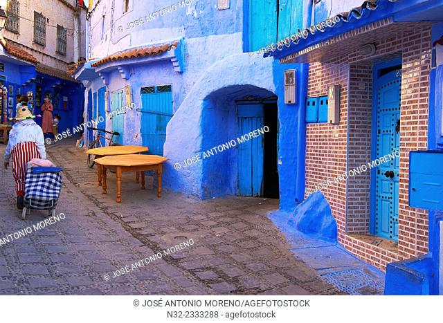 Old Medina, Chefchaouen, Xaouen, Street scene in the Blue Medina, Rif region, Morocco, North Africa