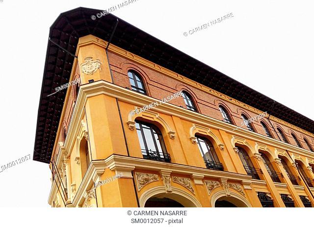 Building Palencia Post